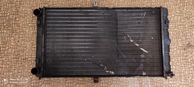 Радиатор охлаждения ВАЗ 10 11 12