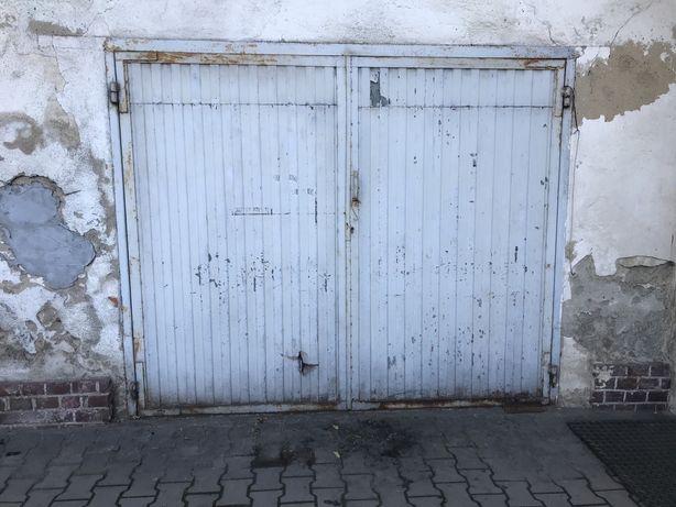 Brama garażowa metalowa 240x200