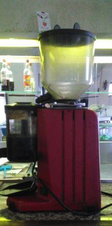 2 moinhos de café para restauração