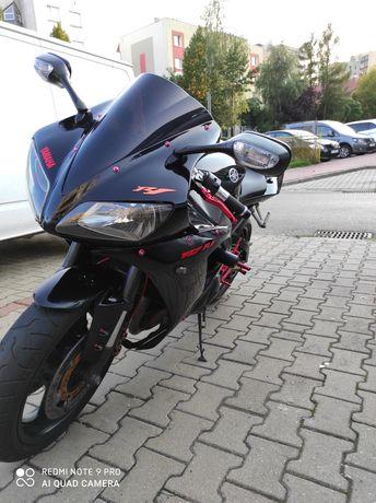 Yamaha R1 RN09 2003R