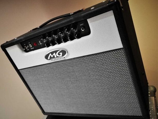 MG Amplifications 50W (combo)  + Case & Pedalboard