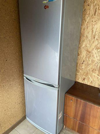 Холодильник LG двухкамерный
