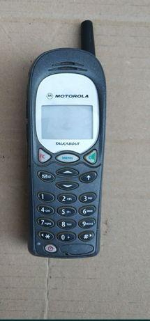 Старый мобильный телефон Nokia Motorola
