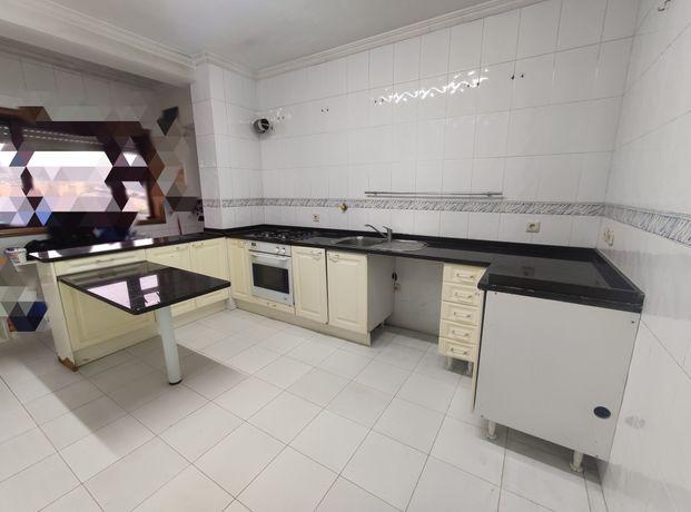 Cozinha para restauro ou aproveitamento de pedra