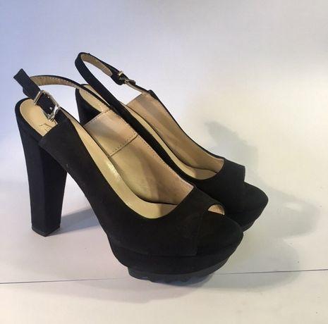 Sandały na obcasie Versace 1969 [36]