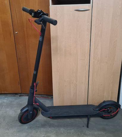 Электросамокат Mi Electric Scooter Pro