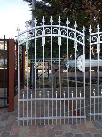 Brama skrzydłowa metalowa kuta ocynkowana