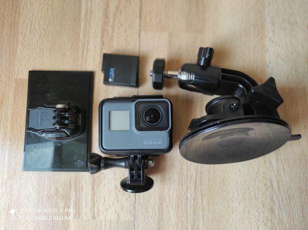 Kamera GoPro Hero 5 Black + dodatkowa bateria + akcesoria