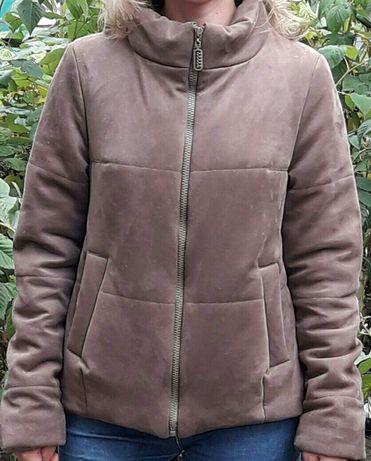 Продам осінню куртку