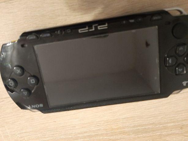 Używane PSP, lekkie zadrapania na tyłach obudowy +15 gier