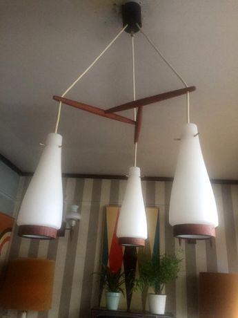 Candeeiro Dinamarquês de 3 pendentes em Teka e vidro leitoso anos 60