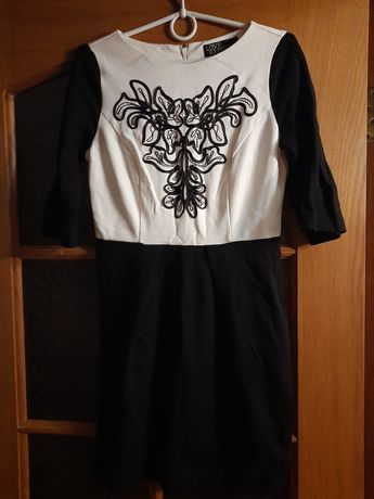 Платье черно белое осеннее love republic
