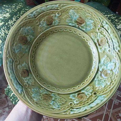 Тарелка из глины.