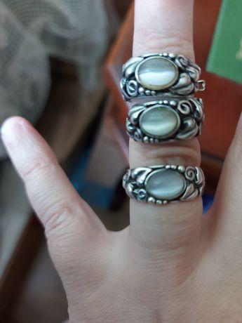 Srebrne kolczyki i pierścionek komplet