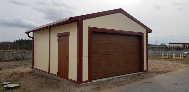 Garaż ocieplony z płyty warstwowej