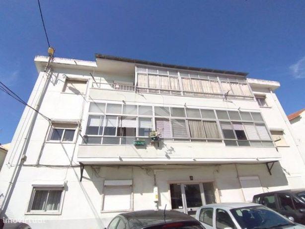 Apartamento T2 em Almada para recuperar