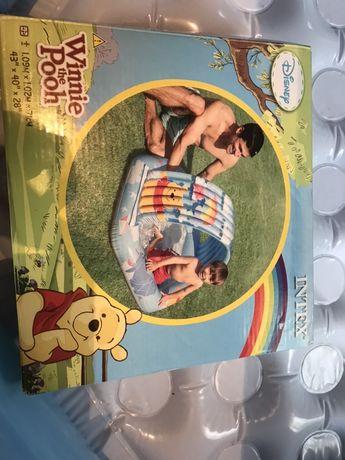 Надувной детский бассейн Intex.