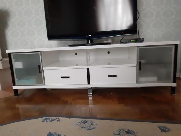 Белая тумба , под большой телевизор .