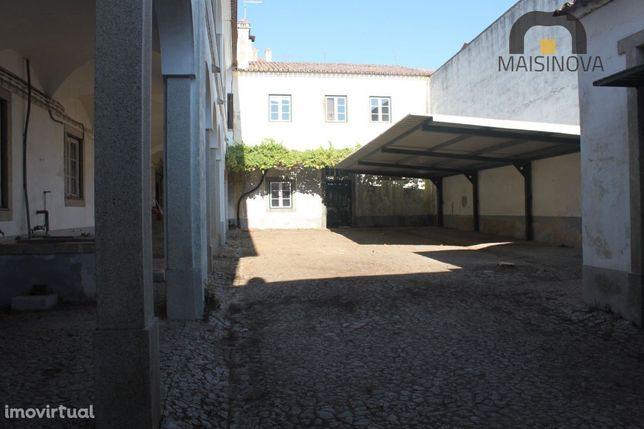 Prédio Centro Histórico - Evora