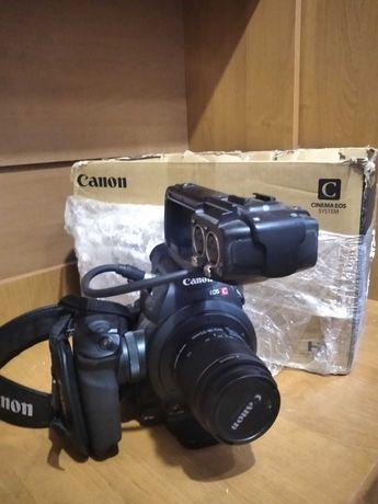 Canon c100 хорошее состояние. Маленький пробег.
