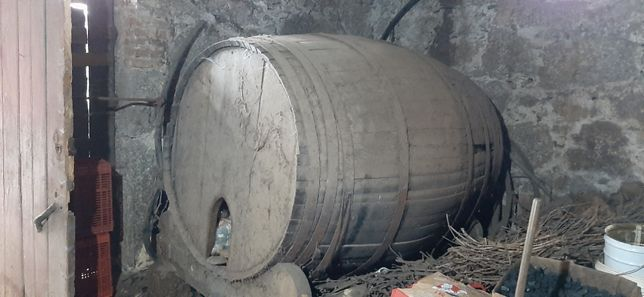 Pipa antiga em madeira, 3500 litros