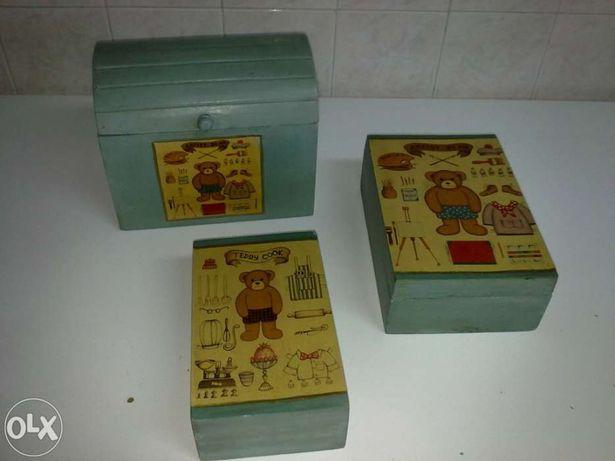 Conjunto de 3 Caixas de Madeira