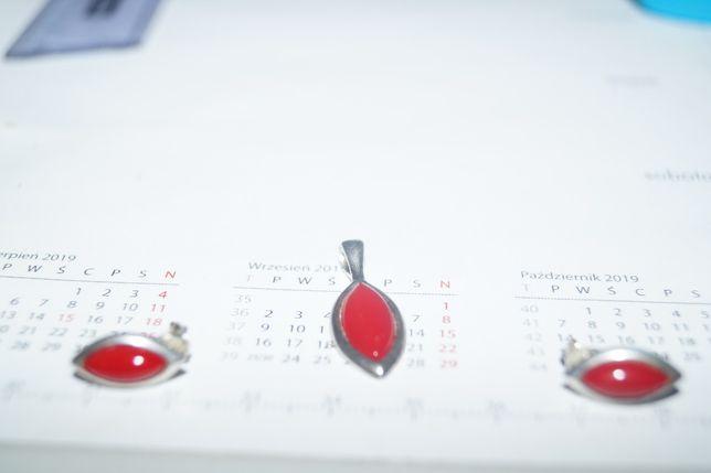 Zestaw bizuteri srebrnej z czerwonym oczkiem