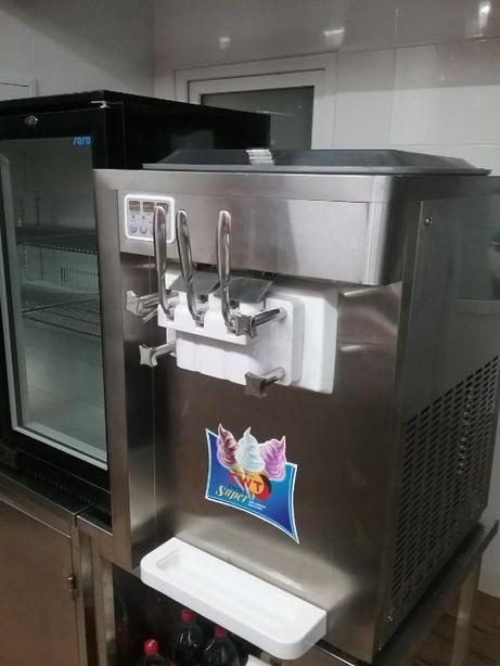 Фризер, аппарат для мягкого мороженого EWT INOX BQL808-2