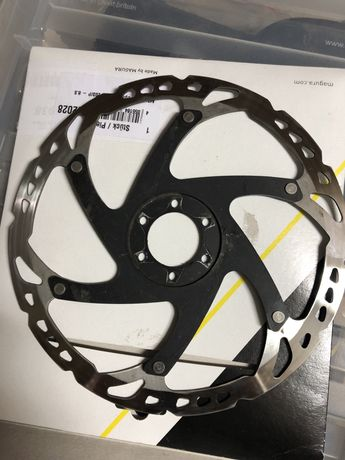 Disc de travao Shimano SM RT 76.  203 mm