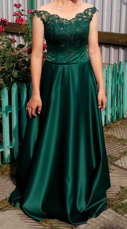 Прокат випускної сукні