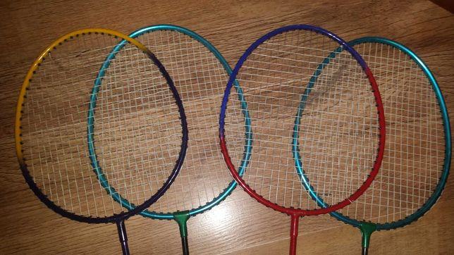 Sprzedam 4 rakietki do badmintona