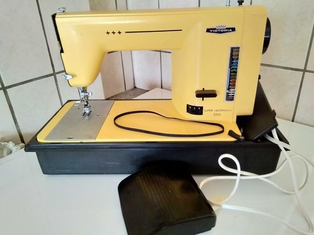 Máquina de costura VICTORIA