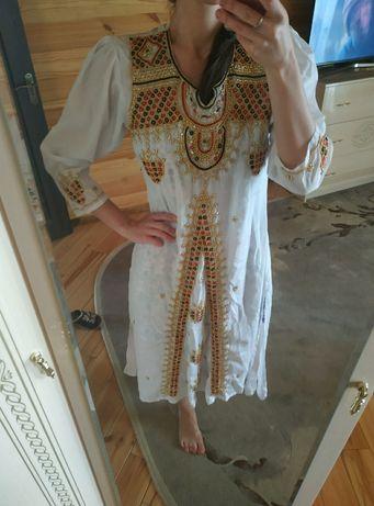 Платье народное, украшено бисером