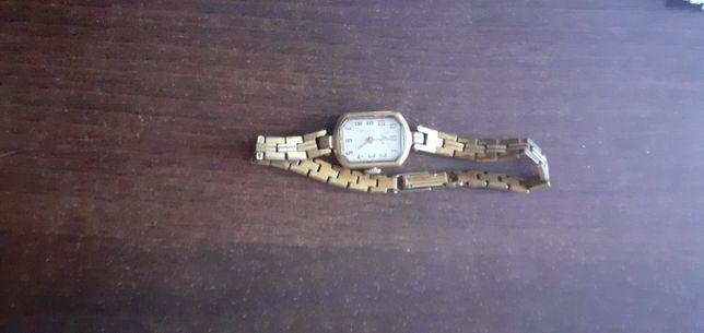 Pozlacany zegarek damski sprawny nakrecany