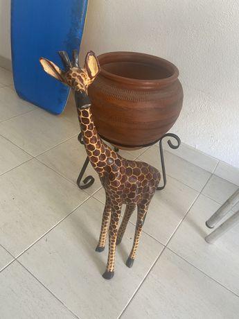 Girafa de madeira