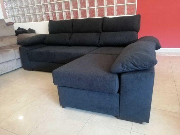Sofá com puff Chaise com baú 3 extensíveis e encostos reclináveis