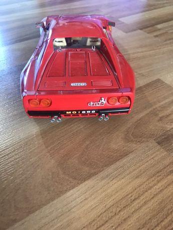 Продам коллекционный автомобиль ferrari gto 288 1:18