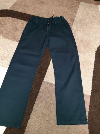 Продам теплые брюки на мальчика