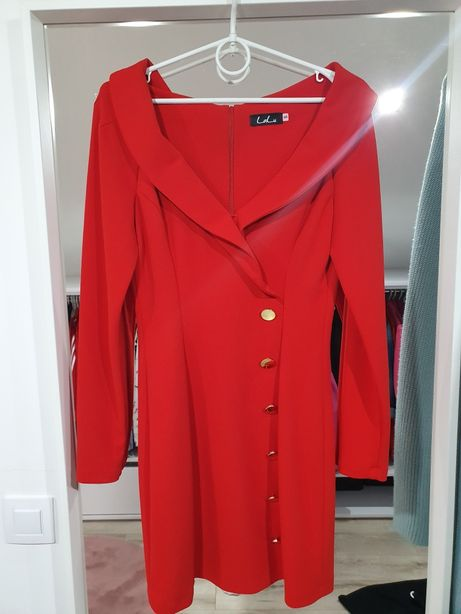 Czerwona sukienka sexi guziki s