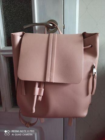 Женский рюкзак от  Zara