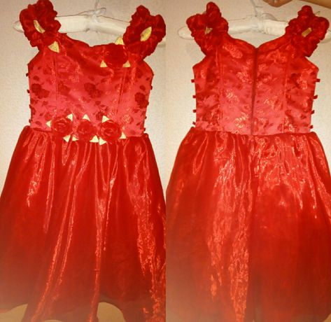 Платье нарядное на девочку 5-7 лет.