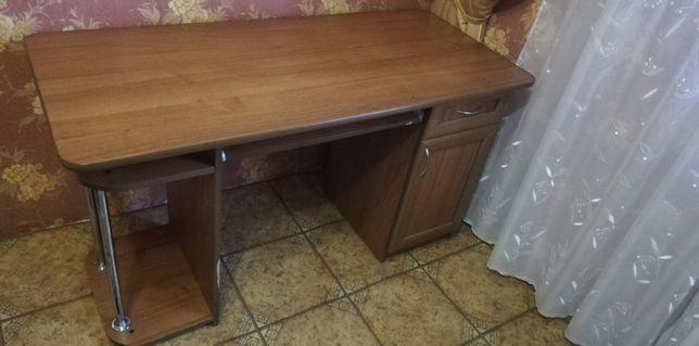 Стіл для комп'ютера
