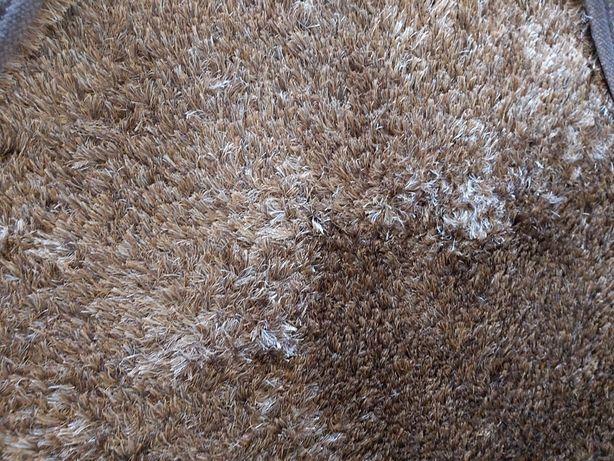 90€- Carpete de 2 por 2,90 castanha