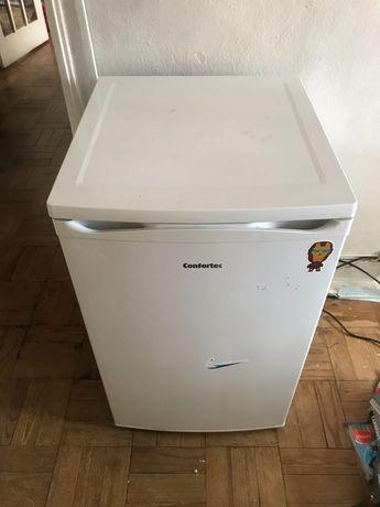 Mini frigorífico com congelador