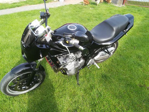 Motor Suzuki Bandit 750
