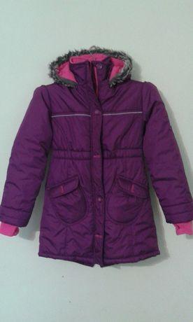 Теплая красивая куртка-пальто на девочку новая