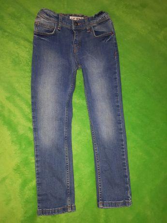 Продам джинсы Primark для мальчика 122 см