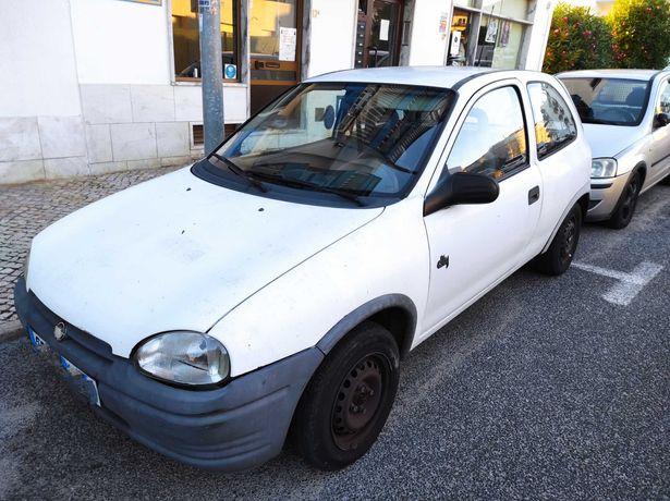 Opel Corsa 1.2 gasolina, ano 1993
