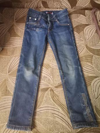джинсы с утеплителем для стройной девочки 4-8 лет по росту