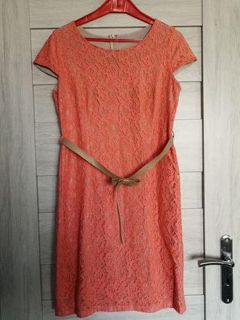 Sukienka koronkowa z paskiem M/L